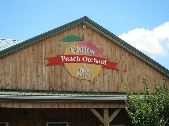 Chiles Peach Orchard: Sign