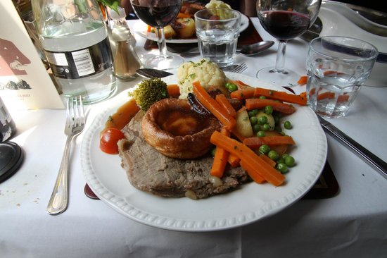 Great Central Railway: Sunday dinner main course - succulent roast beef