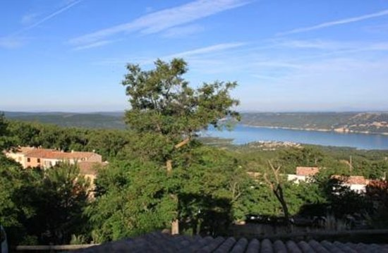 Altitude 823 : View of Lake Sainte Croix from our room