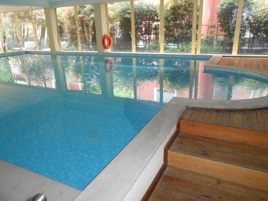 Admiral Hotel Villa Erme: Piscina coperta ristorante