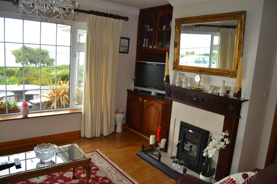 Ceann Tra Heights Bed and Breakfast: Living Room @ Cean Tra Heights. No Place Like 'Home'