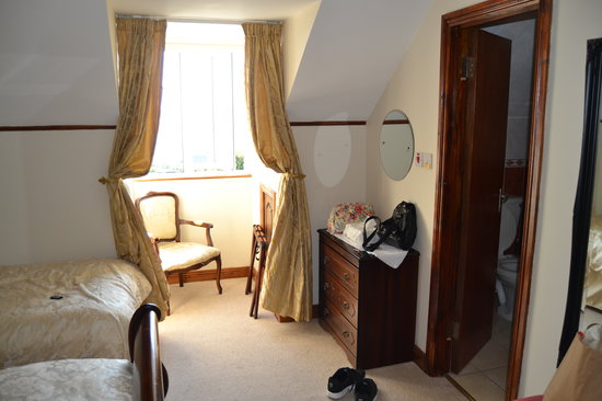 Ceann Tra Heights Bed and Breakfast: Another View of Bedroom @ Cean Tra Heights