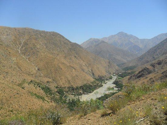 Au Bord de l'Eau: valley de setti fatma