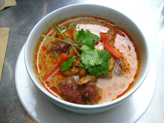 villa papillon : Beef stew with coconut milk and red curry
