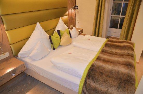 Hotel Das Rübezahl: schönes Bett