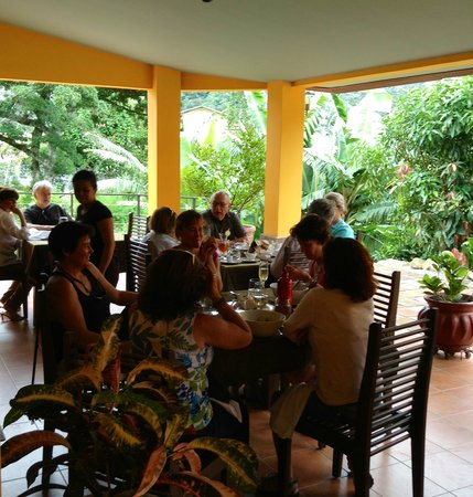 Restaurante Mango at Isla Verde : Dining on the terrace with friends - best in Boquete
