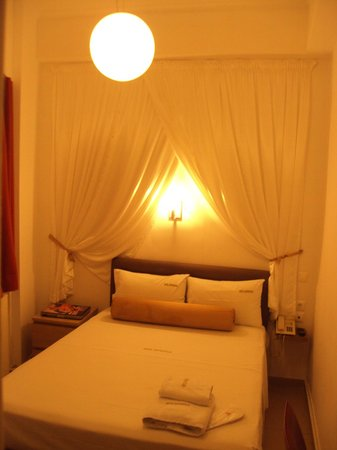 Hotel Metropolis: the most cheapest room where i stay for the first night it looks great... ;-)