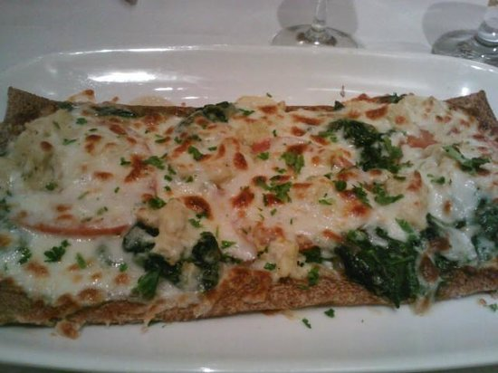 Le Chat Noir: Crab, tomato and spinach galette