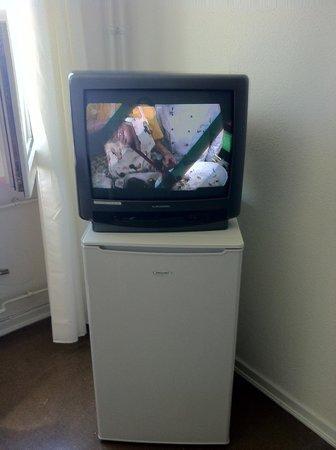 Fair Price Hostel Letzter Heller: tv + freezer (quite big I'd say) - room for 2 - forth floor