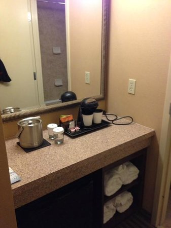 DoubleTree Resort by Hilton Hotel Lancaster: Coffee Stations