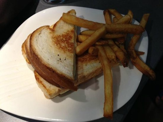 The Hershey Grill at the Hershey Lodge: Kids grilled cheese