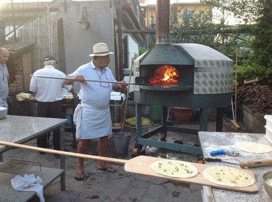 Residence Santa Lucia: pizza  e altro