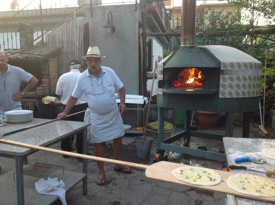 Residence Santa Lucia: luigi al forno
