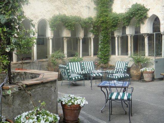Hotel Luna Convento: Courtyard