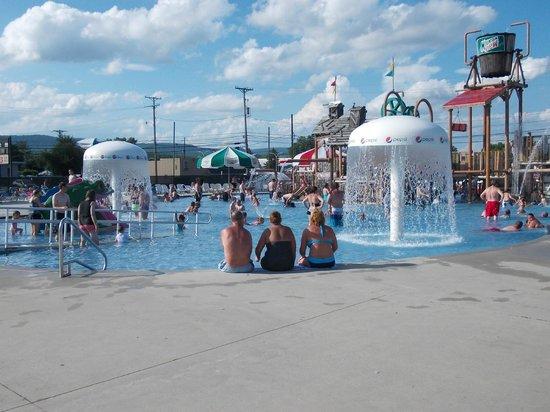 DelGrosso's Amusement Park: water park