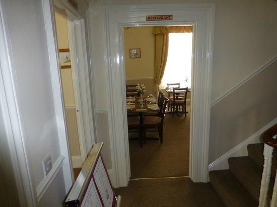 The Devon Court Hotel: Entrance Hallway