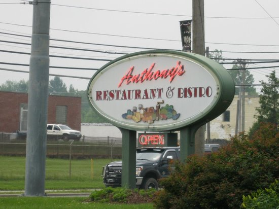 Anthony's Restaurant & Bistro : Anthony's Restaurant and Bistro