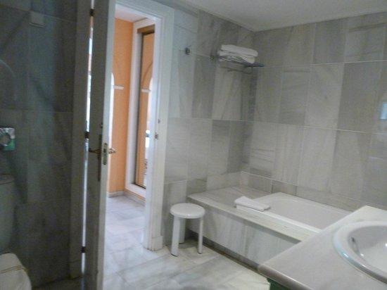 Hotel Sultan Club Marbella: bathroom
