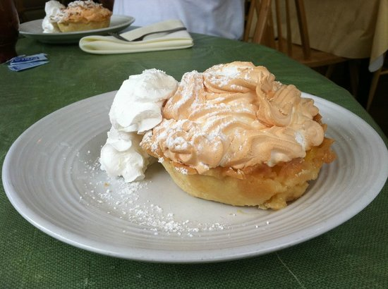 Lemon Leaf Cafe: lemon meringue pie