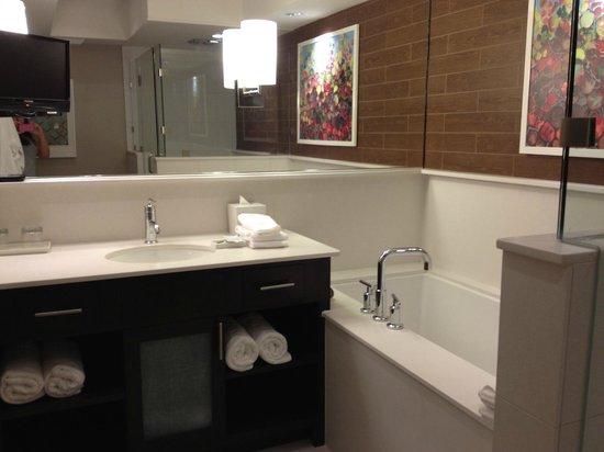 City Loft Hotel : Bathroom