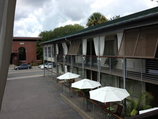 City Loft Hotel: Outdoors