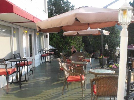 Auberge Hotel Spa Watel: La terrasse