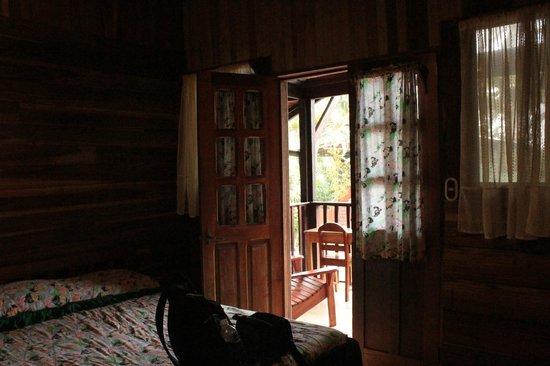 Hotel Perla Negra: Nuestra habitación con balcón