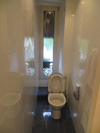 Hotel Du Midi Paris Montparnasse: bathroom