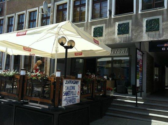 Peperoni Restauracja: outdoor seating