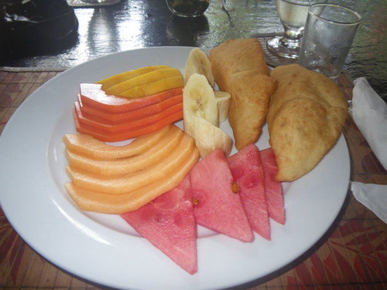 The Bonefish Grille at the Singing Sands Inn: Fruit Plate