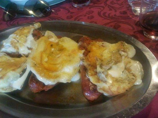 Pedace, Italien: Salsiccia con caciocavallo Silano