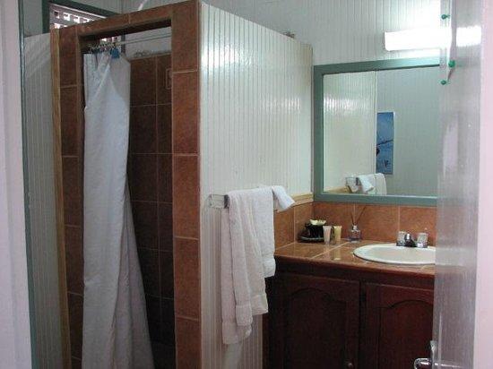 La Haut Resort: washroom