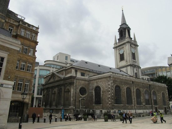 Guildhall Art Gallery: St. Lawrence Jewry Church (in Guilhall Courtyard)
