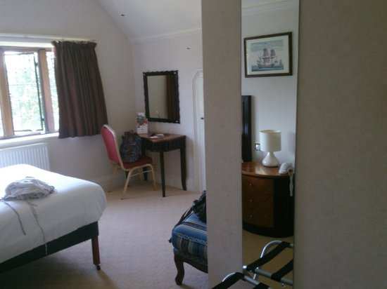 Royal Court Hotel - Coventry: Room 108 / Manor