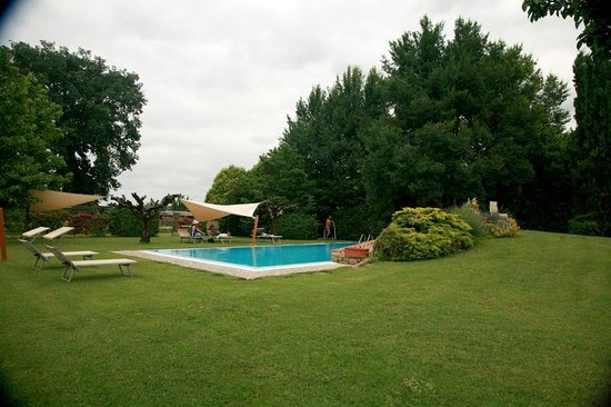 Azienda Fontelunga: Pool area