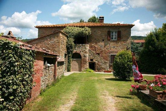 Azienda Fontelunga: La Bozza front entrance