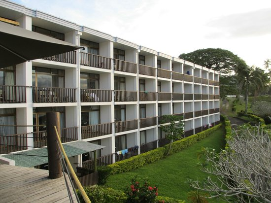 Savusavu Hot Springs Hotel: View of the hotel