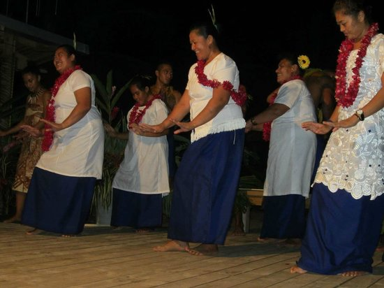 Savaii Lagoon Resort: A special performance for our wedding couple
