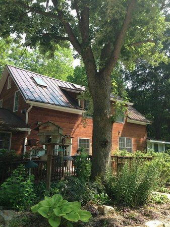 Goldberry Woods Bed & Breakfast Cottages : Near entrance to Goldberry Farms