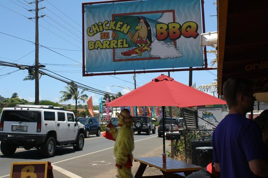 Chicken In A Barrel BBQ Cart : Right along the road in Kapaa