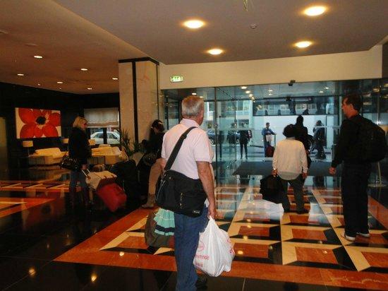 SANA Metropolitan Hotel : Recepção do hotel