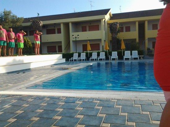Triton Villas Residence & Hotel: Piscina