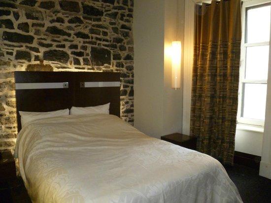 Hotel Sainte-Anne: Room 201