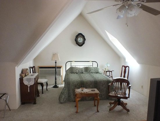 Mangum Whitehouse Bed & Breakfast: Loft