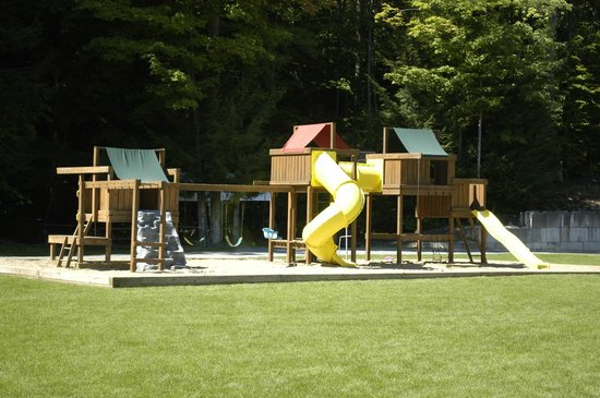 Country Cottages and Motel: Playarea