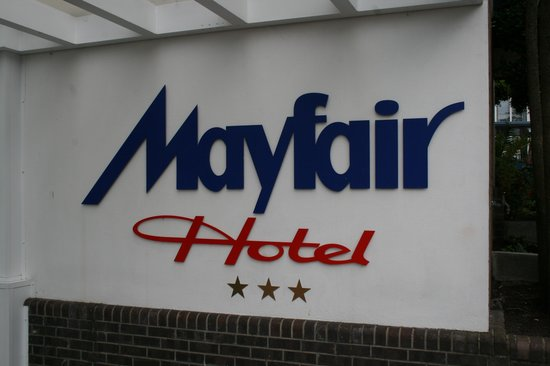 Mayfair Hotel : Look for the sign!