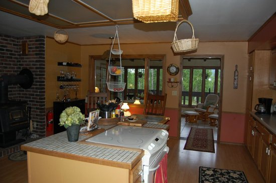 Talkeetna Chalet Bed & Breakfast: part of kitchen and porch
