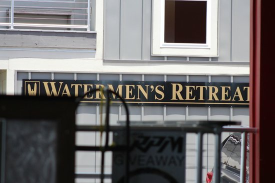 Watermen's Bar & Grill: The retreat from the inside of the bar and grill