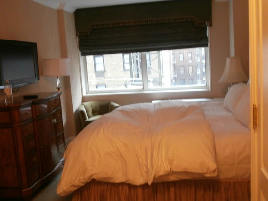 The Kimberly Hotel: Luxury kingsize bed
