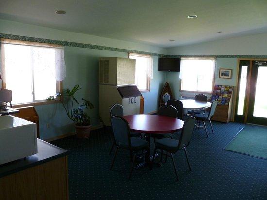 Newberry, MI: Front lobby